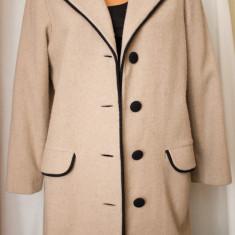 Jacheta stofa bej cu detalii negre, troacar, L/XL - Jacheta dama, Piele