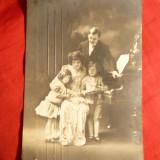 Ilustrata - Felicitare - Familie la Pian - Craciun, circulat 1906 - Carte postala tematica, Circulata