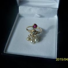 Inel aur diamante perle si rubin, 18k