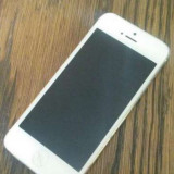 Vand iphone 5 16 gb placa de baza stricata