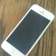 Vand iphone 5 16 gb placa de baza stricata