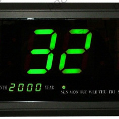 Ceas electronic cu calendar, afisaj verde, 480x185mm - 110901