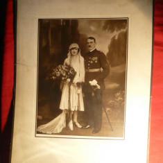 Fotografie de nunta- Ofiter in mare tinuta cu decoratia Coroana Romaniei, Crucea - Fotografie veche