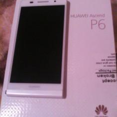 Vand Huawei Ascend P6 Alb + 3 carcase Full Box - Telefon mobil Huawei Ascend P6, Neblocat, Single SIM