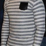 Pulover pulovere barbati cu petic la coate Bluze model primavara 2015 - Pulover barbati, Marime: S, L, Culoare: Din imagine, La baza gatului, Bumbac