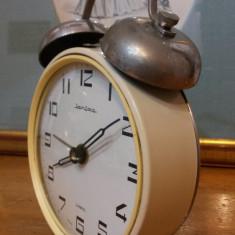 Ceas de masa Iantar