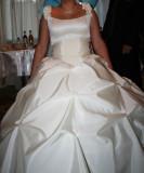 Vand rochie de mireasa si voal crem, marimea 44-46