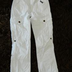 Pantaloni sport pentru copii, unisex, marimea 134, 8-10 ani, C&A, Culoare: Alb, Fete