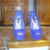 pantofi , marimea 37