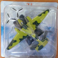 Macheta metal avion - Petlyakov Pe-2 - Avioane de Lupta RUSIA-URSS noua, 1:144 - Macheta Aeromodel