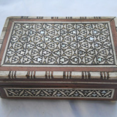 Splendida si Veche Cutie Bijuterii Vintage lucrata manual Intarsii Sidef Superba
