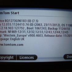 TomTom Start 25-8GB memorie interna, slot card micro SD
