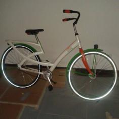 Vand bicicleta culoare alb cu verde aspect deosebit, schimbator in butuc shimano - Bicicleta retro, 12 inch, 24 inch, Otel
