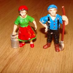 Figurine(lot 2 buc.;aproximativ 8 cm.) - Miniatura Figurina