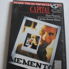 Film - MEMENTO - Guy Pearce, Carrie-Anne Moss - C13 - Film thriller, DVD, Romana
