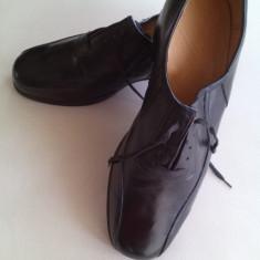 pantofi din PIELE  nr. 42