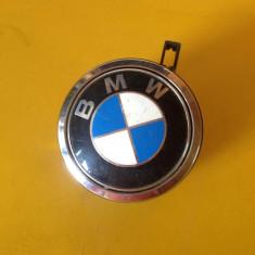 Vand Emblema Incuietoare haion portbagaj BMW seria 1 E90, E91 Original - Embleme auto