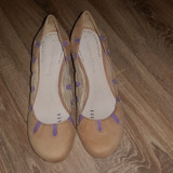Pantofi Terra Plana (din Marea Britanie), marimea 38, piele naturala, mov/bej, Cu toc
