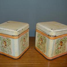 Lot 2 cutii de tabla vechi romanesti, perioada comunista, cu pasari, 10x10x10cm - Cutie Reclama