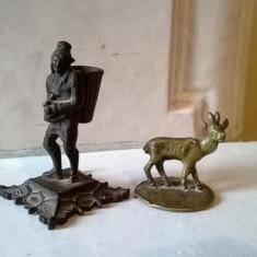 FIGURINE VECHI LOT 2-BUC DIN METAL FONTA SI ALAMA TIP STATUAR NEGUSTOR SI CERB - Miniatura Figurina