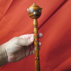 Buzdugan vechi din lemn, jucarie comunista veche - artizanat - Jucarie de colectie