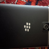 vand BlackBerry Passport full box, impecabil