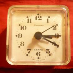 Ceas Desteptator vechi Marca Amber Quartz URSS