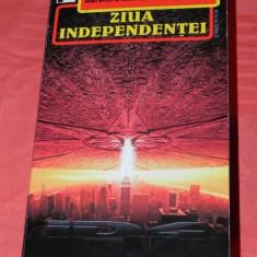D DEVLIN, R EMMERICH, S MOLSTAD - ZIUA INDEPENDENTEI 5545466