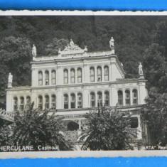 Carte postala / FOTOGRAFIE VECHE BAILE HERCULANE CASINOUL CIRCULATA 1942, TIMBRE, STAMPILA CENZURAT (v055 - Carte Postala Banat dupa 1918