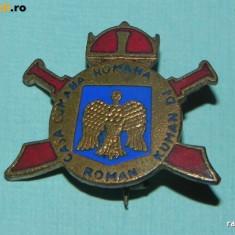 INSIGNA DE COLECTIE - CASA CUMANA ROMANA. FOARTE RARA - Insigna fotbal