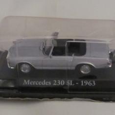 Mercedes 230 SL - 1/43