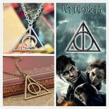 Pandantiv / Colier / Lantic   HARRY POTTER - Deathly Hallows Triangle - Auriu