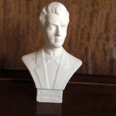 Statueta bust din portelan mat, epoca comunista anii '70 Ciprian Porumbescu - Bibelou