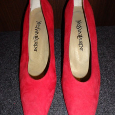 Pantofi piele intoarsa Yves Saint Laurent - Pantof dama Yves Saint Laurent, Culoare: Rosu, Marime: 37.5
