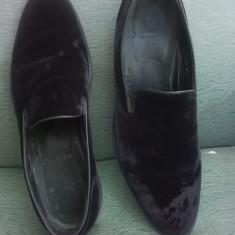 PANTOFI BARBATESTI PIELE INTOARSA ARMANI COLLEZIONE, ORIGINALI, MASURA 44(30 CM) - Pantof barbat Armani, Culoare: Nero, Din imagine