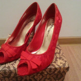 Pantofi dama  cu toc decupati din dantela