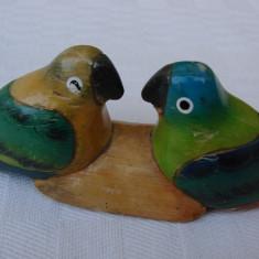 Doi papagali din lemn - suport pentru tacamuri, anii 1960