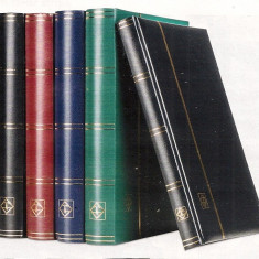 Clasor A4 coperta moale verde, 32 foi sau 64 pagini negre si banda PVC