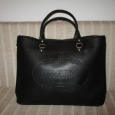 Geanta dama neagra mare Prada+CADOU, Culoare: Negru, Geanta de umar, Asemanator piele