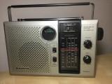 RADIO SANYO RP8260UM ,FM/SW/MW/LW ,TRANZISTORIZAT ,FUNCTIONEAZA IMPECABIL .