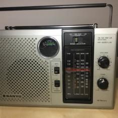 RADIO SANYO RP8260UM, FM/SW/MW/LW, TRANZISTORIZAT, FUNCTIONEAZA IMPECABIL . - Aparat radio