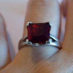 Inel argint cu zirconiu rosu - 196