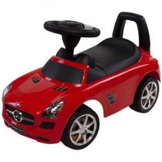 Masinuta Mercedes Rosu