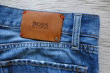 Blugi Hugo Boss Regular Fit; marime 34 (W) / 30 (L), vezi dimensiuni; ca noi, Drepti