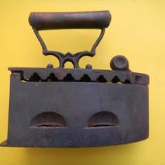 FIER DE CALCAT cu CARBUNI - Metal/Fonta