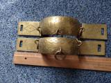 Suporturi ornametale cu agatatori din bronz pentru perete