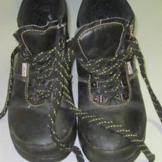 Bocanci protectie Kegel, Culoare: Negru