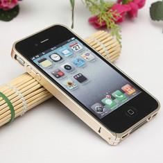 Bumper iPhone 4 4S Aluminiu 0.7mm Gold - Bumper Telefon, Auriu