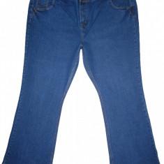 (BATAL) Blugi BOOTCUT (MARIME: 26 / EUR 54) - Talie = 125 CM / Lungime = 112 CM - Blugi dama, Marime: XXL, Culoare: Albastru, Normala