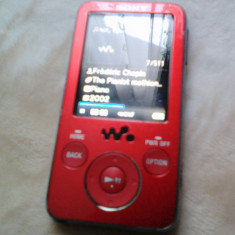 MP3 WALKMAN SONY NWZ-E436F 4 GB FUNCTIONAL - MP3 player Sony, Rosu, Display, FM radio